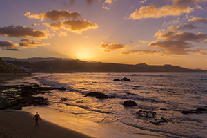 Las Canteras beach sunset