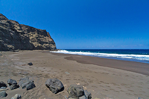 Faneroque beach is Gran Canaria's most remote nudist beach