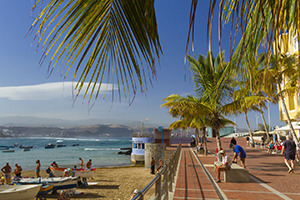 Las Canteras beach north end