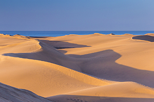 Maspalomas dunes at dawn
