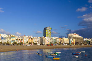 Las Palmas beach and city skyline