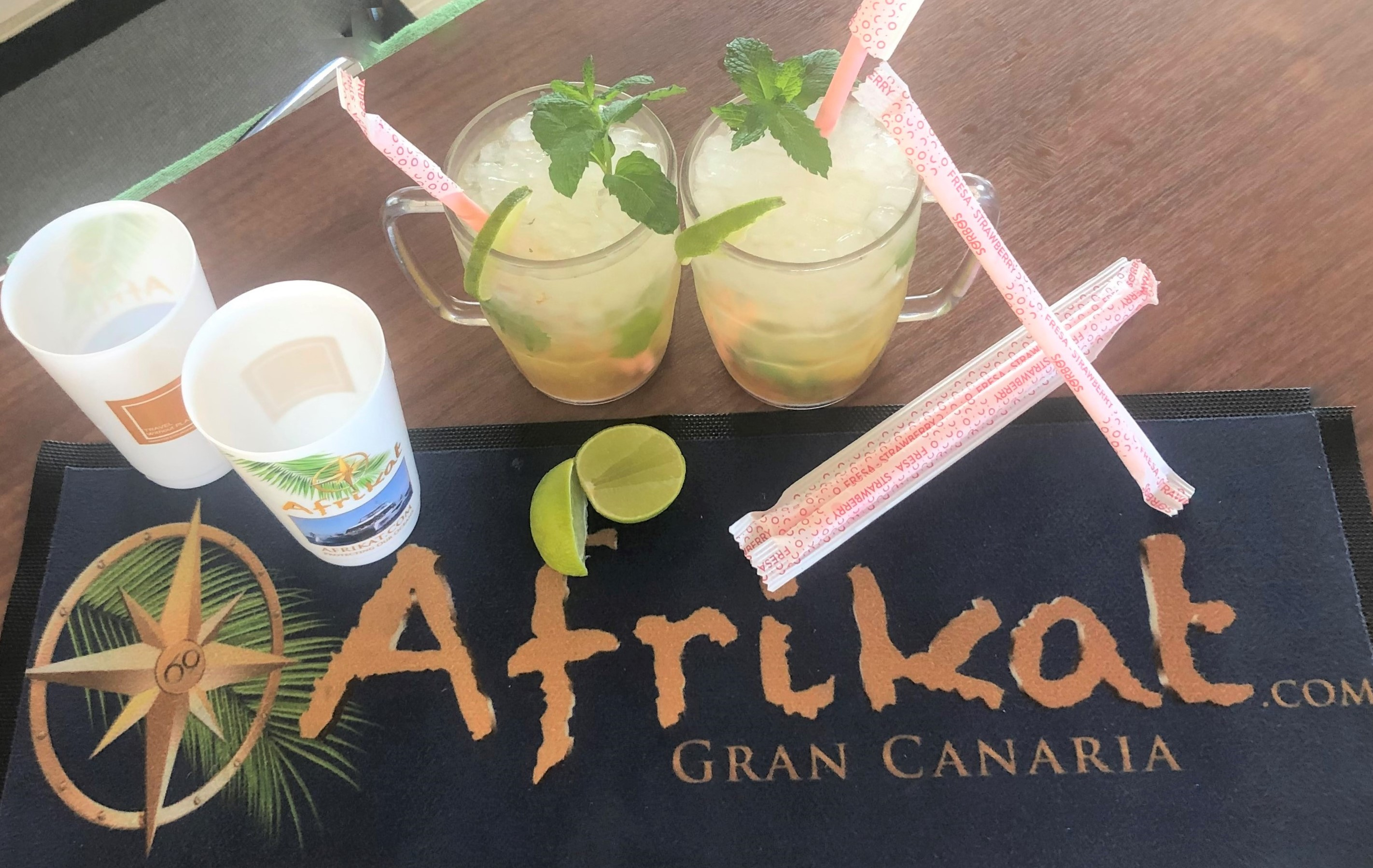 cocktails with edible starws Afrikat