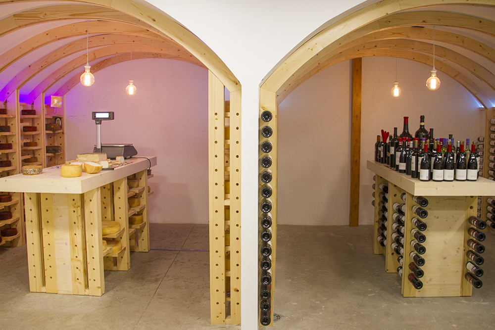 Tierra Guanche wine and cheese bodega
