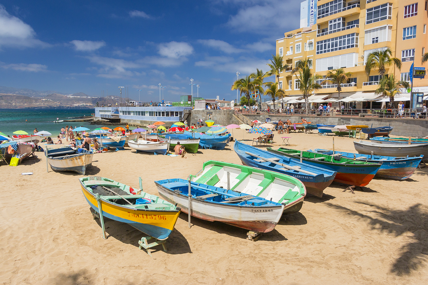 Las Canteras beach boats and sea
