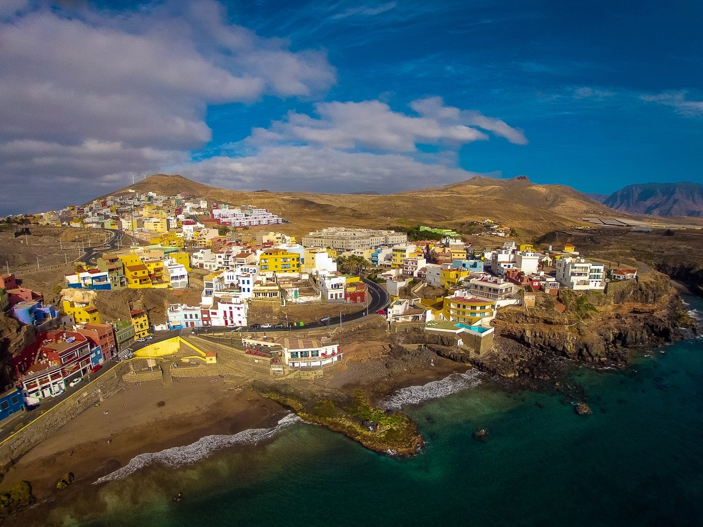 Sardina beach in north Gran Canaria has a Blue Flag award in 2018