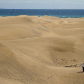 maspalomas_dunes_and_beach_-_febr_2011_-001