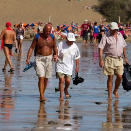 maspalomas_dunes_and_beach_-_febr_2011_-019