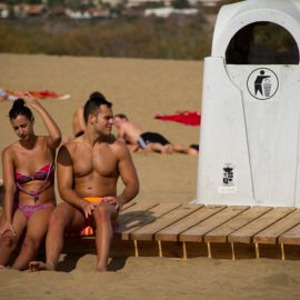 maspalomas_dunes_and_beach_-_febr_2011_-023