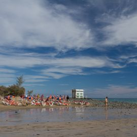 maspalomas_dunes_and_beach_-_febr_2011_-024