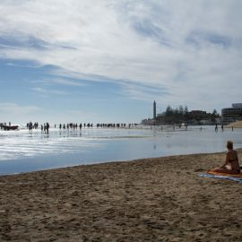 maspalomas_dunes_and_beach_-_febr_2011_-025