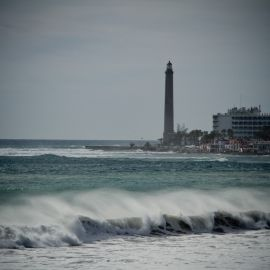 maspalomas_dunes_and_beach_-_febr_2011_-041