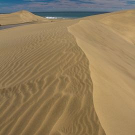 maspalomas_dunes_and_beach_-_febr_2011_-052