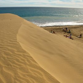maspalomas_dunes_and_beach_-_febr_2011_-053