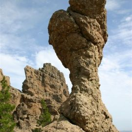crazy_rock_near_pozo_de_las_nieves
