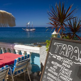 Arguineguin Town & Coast: Seafront Restaurant