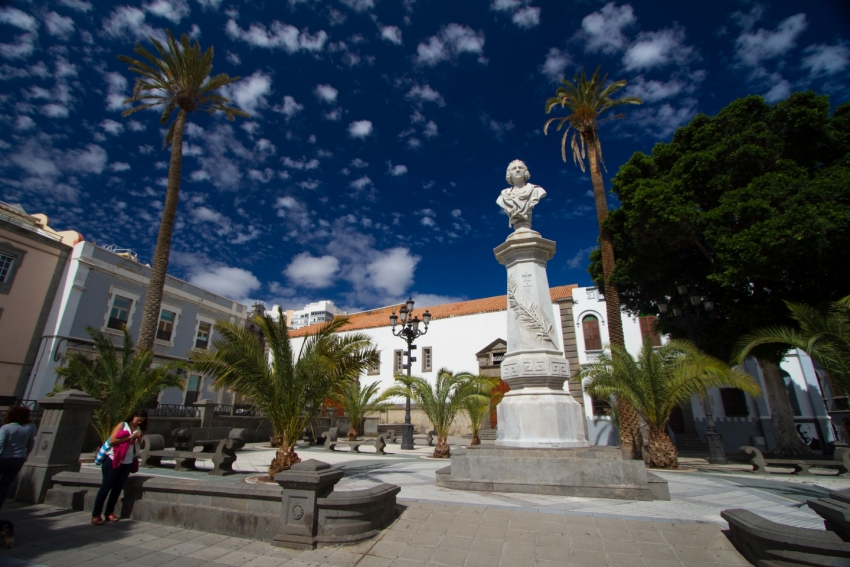 Filming of Alied with Brad Pitt is mostly in Las Palmas' Triana district