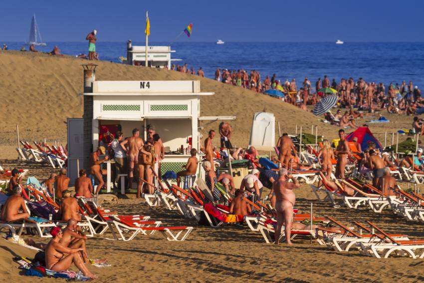 Maspalomas baech is big enough for families and nudists
