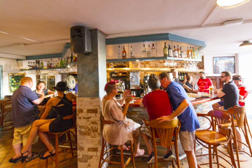 Paddy's Anchor: Las Palmas' Proper Pub By The Beach