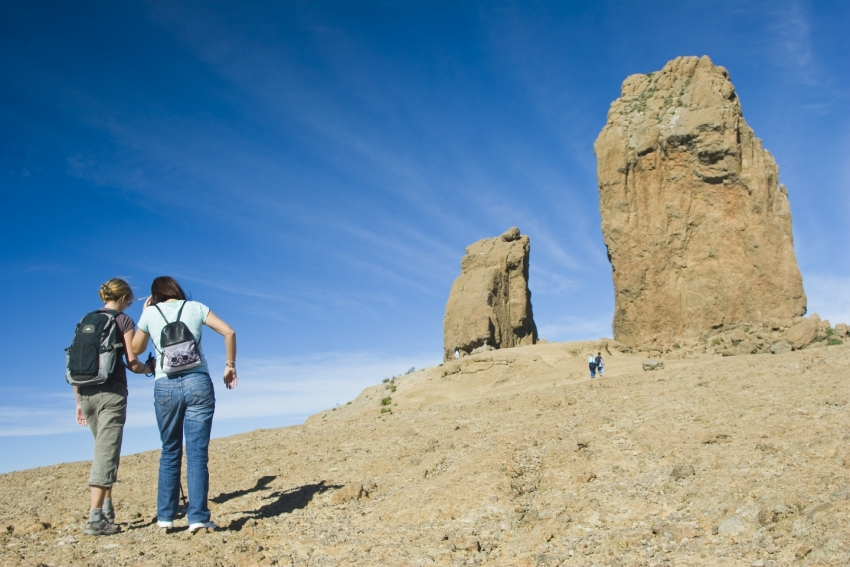 You can reach Gran Canaria's Roque Nublo by public bus