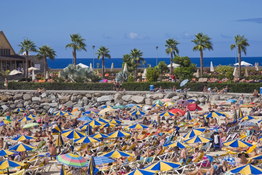 El Niño expected to cause busy beaches and frequent rguments about towels in Gran Canaria