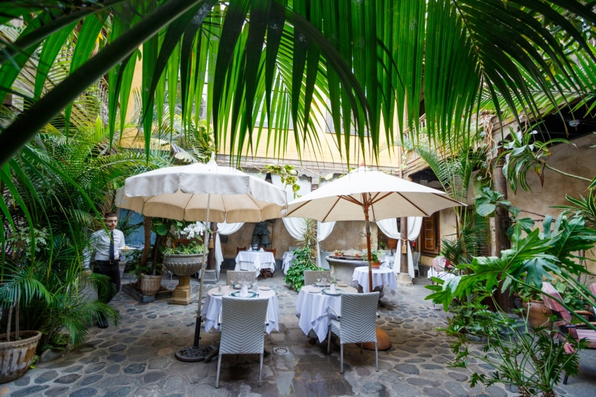 Casa Montesdeoca: A Las Palmas restaurant set in a 16th Century Vegueta patio