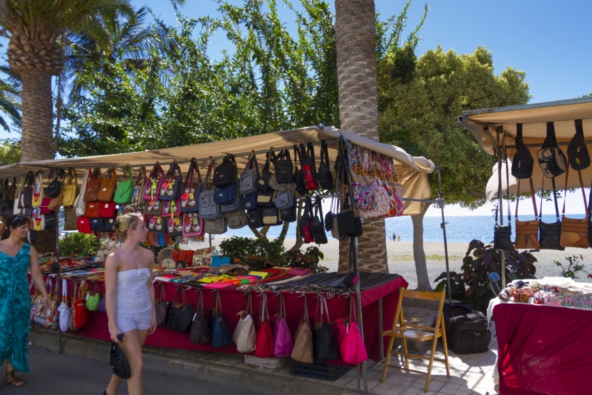 Arguineguín's weekly market is great for shopping