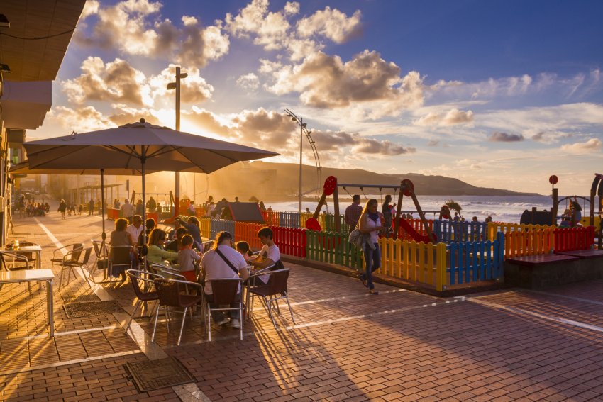 Local GRan Canaria Spot: El Tiburón Hamburguesería on Las Canteras beach