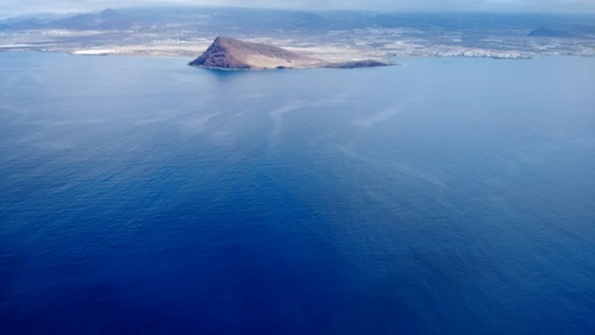 Aerial photo showing possible oil in the water off Tenerife
