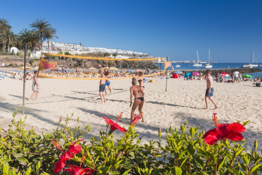 Hot stuff forecast in the Canary Islands over Easter