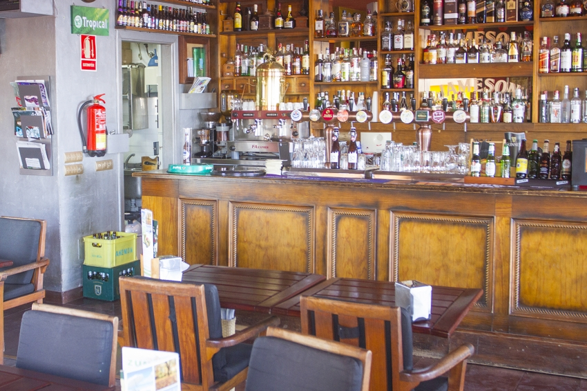 Tip Of The Day: Las Palmas' Pub By The Beach