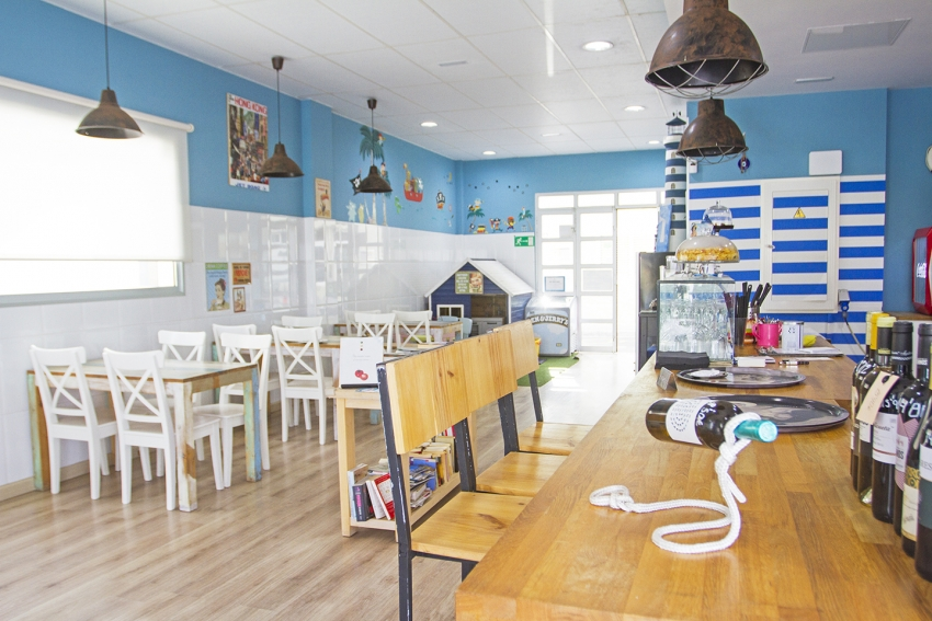 The Light House Café in Arguineguín does great food
