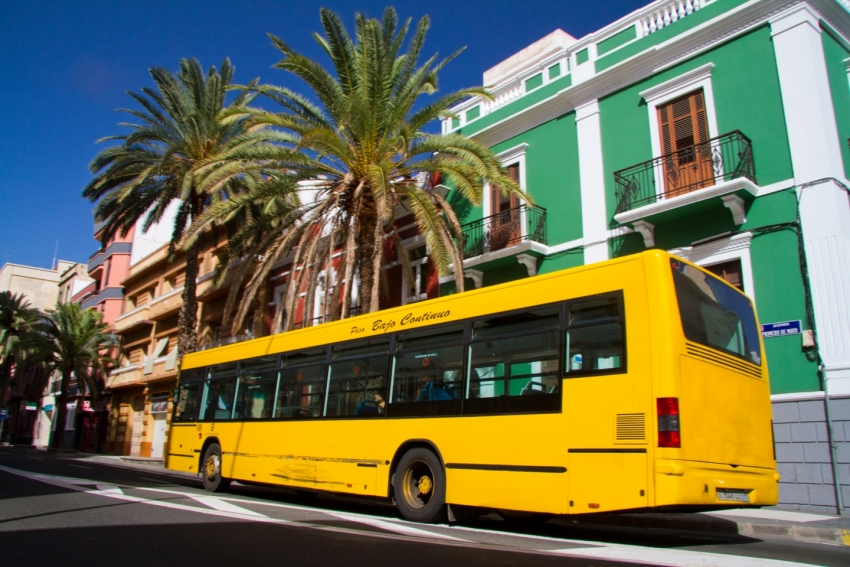 Yellow bus in Las Palmas de Gran Canaria