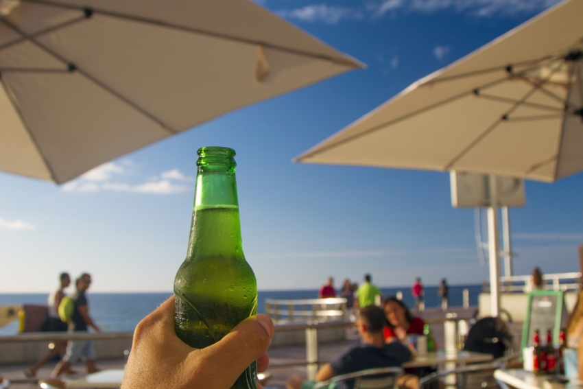 Tip of the Day: Gran Canaria's Tiny Botellin Beers Stay Cold