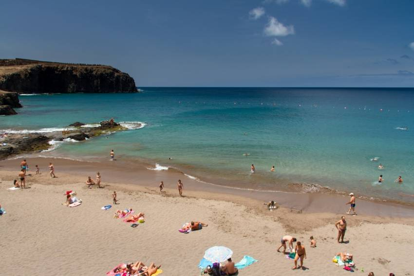 Sardina beach is a local Gran Canaria favourite